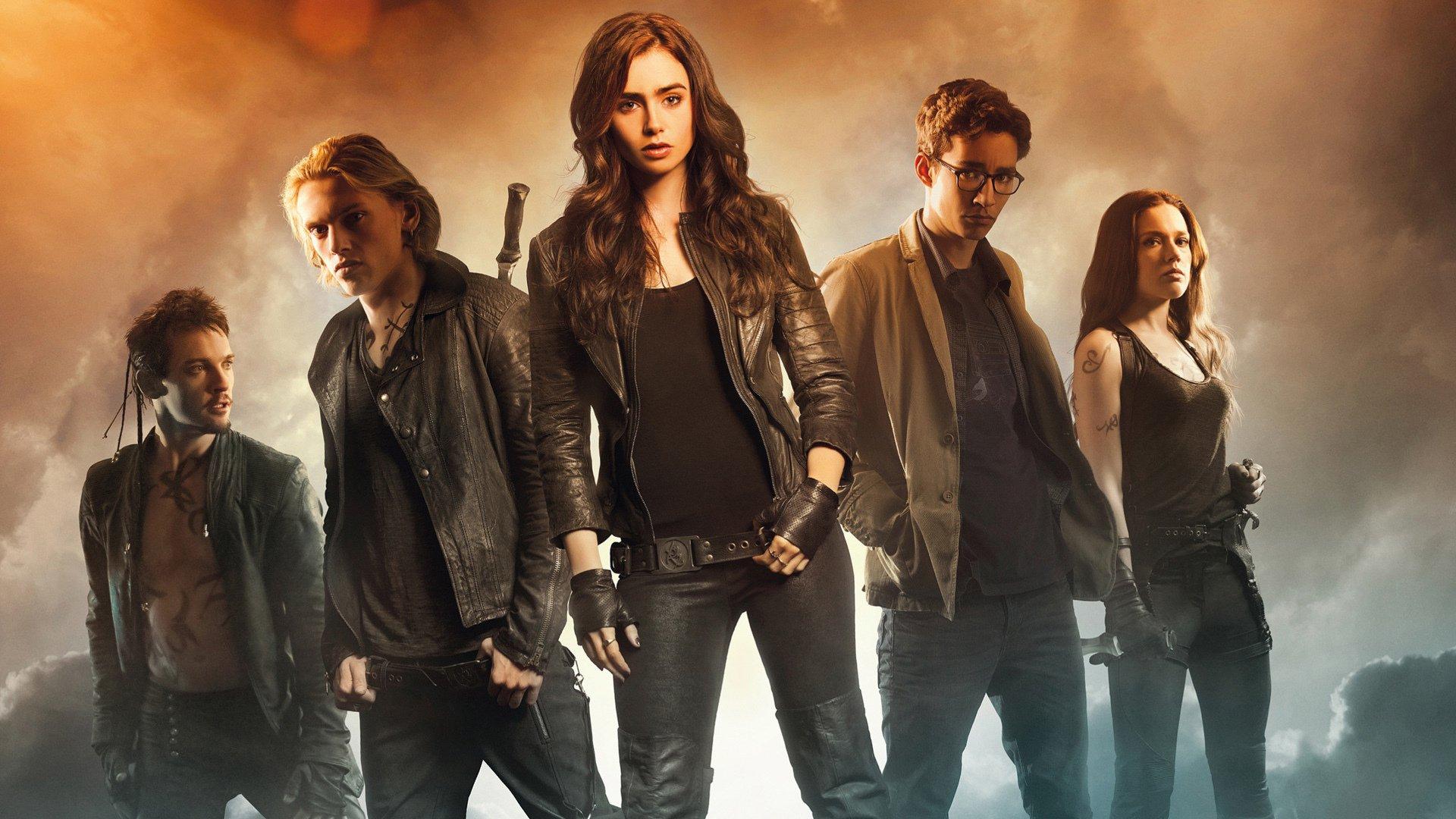 Cazadores de Sombras (2013)