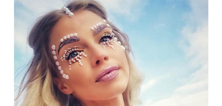 Resultado de imagen para perlas en el rostro al estilo lady gaga