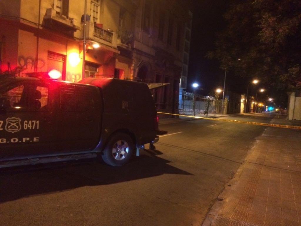 Paquete sospechoso moviliza a Carabineros en el centro de Santiago