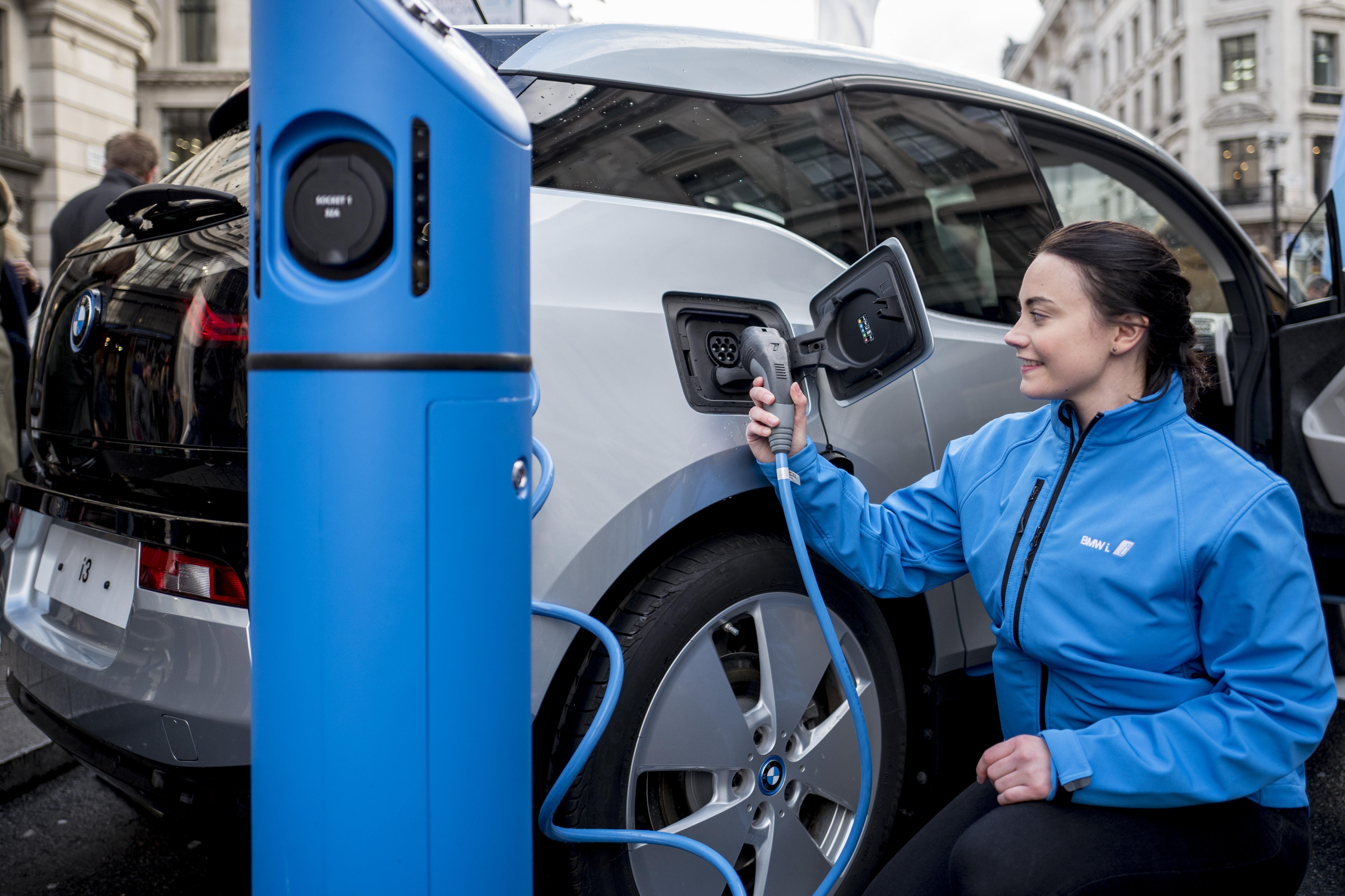 Un automóvil eléctrico de BMW | Agence France-Presse