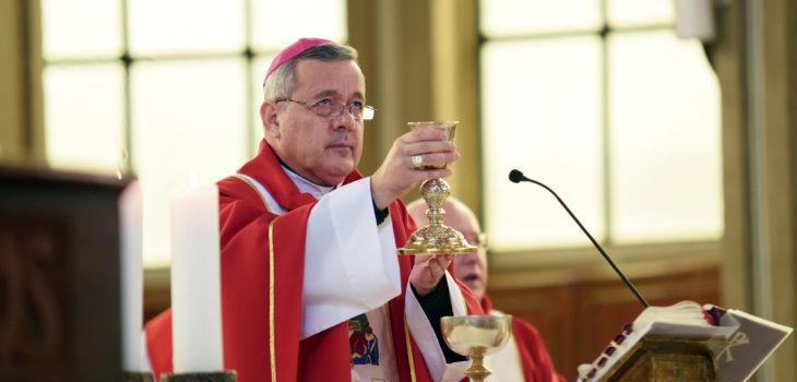 Bishop Barros during Mass. Jose Luis Bustos | Agencia UNO