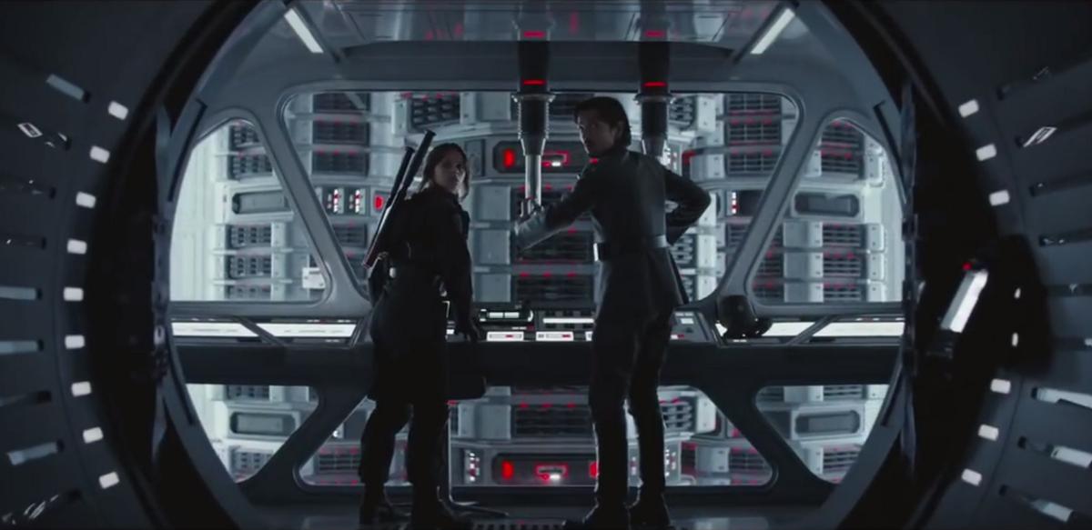 """Jyn y Cassian robando los planos en """"Rogue One"""""""
