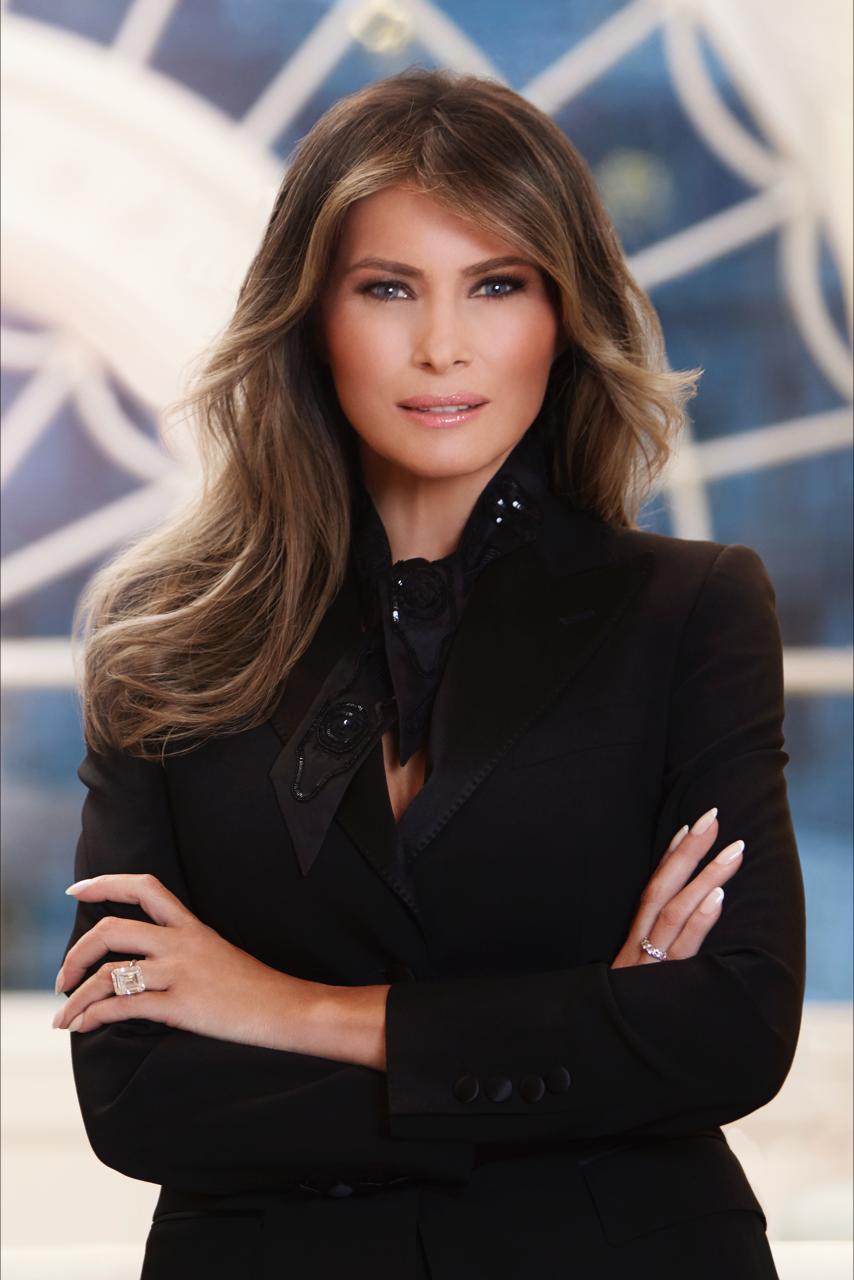 Retrato oficial de Melania Trump para la Casa Blanca | www.whitehouse.gov
