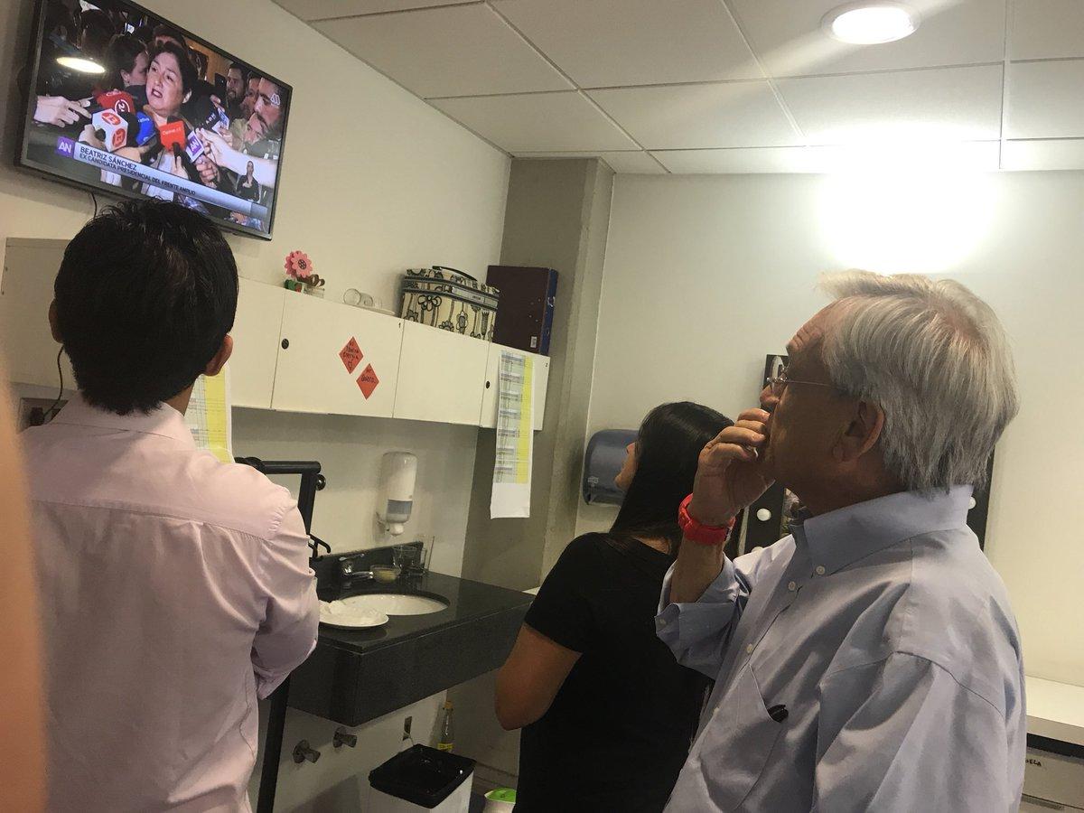 Piñera enterándose del apoyo a Beatriz Sánchez   Ahora Noticias