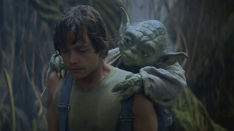 """Yoda y Luke en """"Star Wars: Episodio V - El Imperio contraataca"""""""