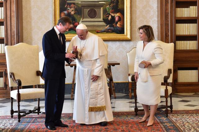 Gran duquesa de Luxemburgo, María Teresa, junto al papa | AFP