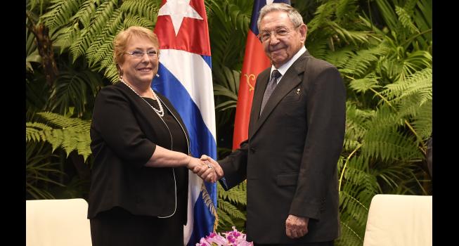 Resultado de imagen para Bachelet en cuba