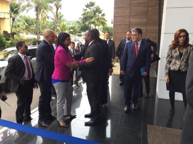 Exige Delcy Rodríguez cordura a mediadores del diálogo político