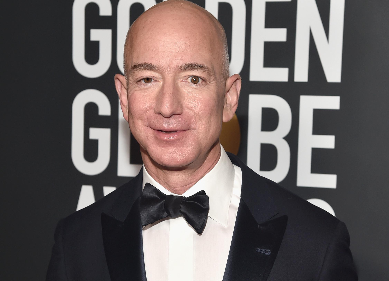 Jeff Bezos en los Globos de Oro | Agence France-Presse