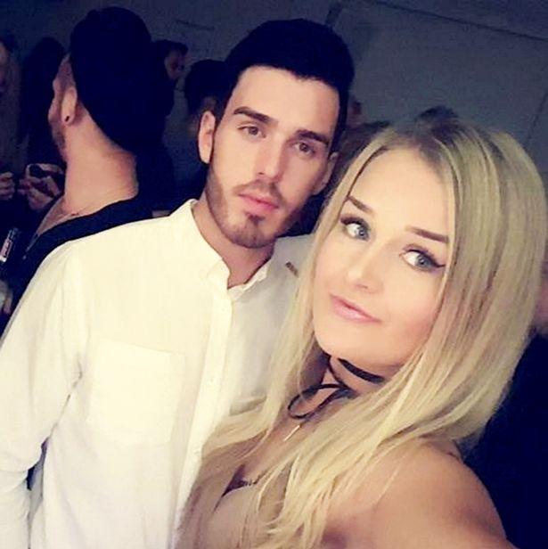 Molly McLaren y Joshua Stimpson | Facebook