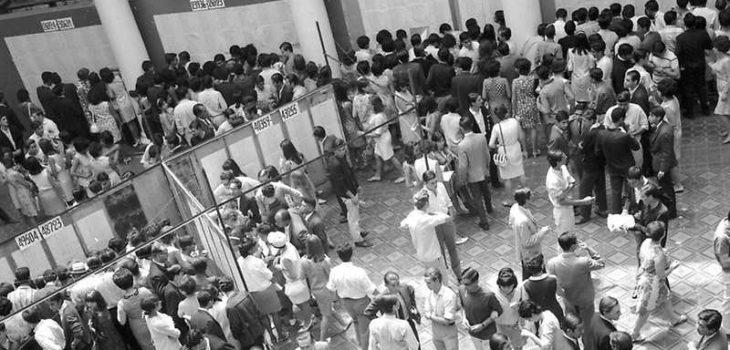 Entrega de resultados PAA en Casa Central en los años '60