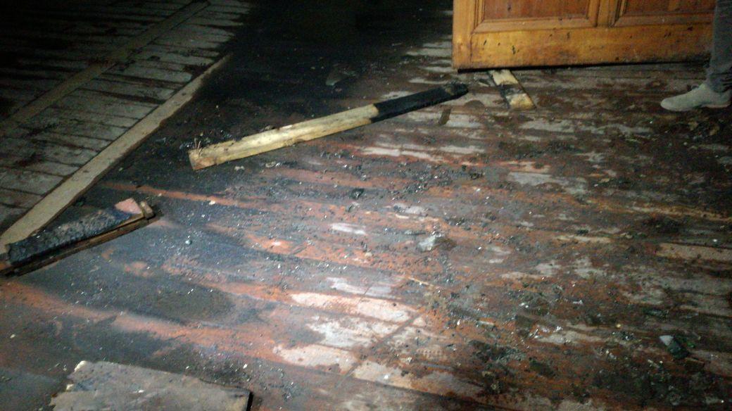¡Impresentable! Se registra nuevo ataque incendiario a iglesia en Melipilla