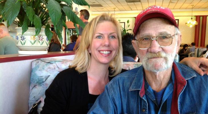 Ted Dabney junto a su hija en 2012 | Marty Goldberg