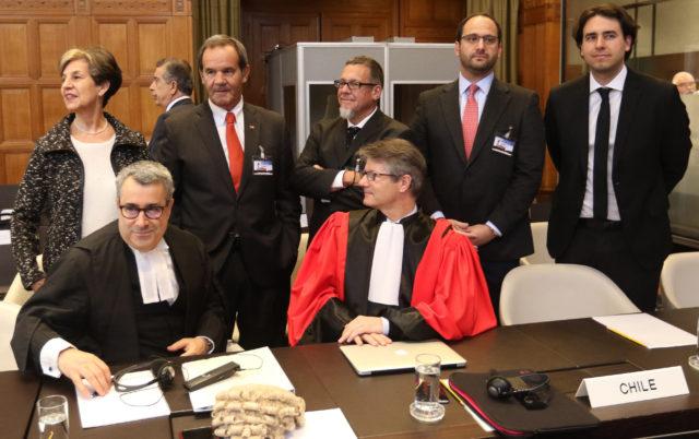 Parlamentarios acompañan a la delegación chilena en Holanda. Iván Canelas | Agencia UNO