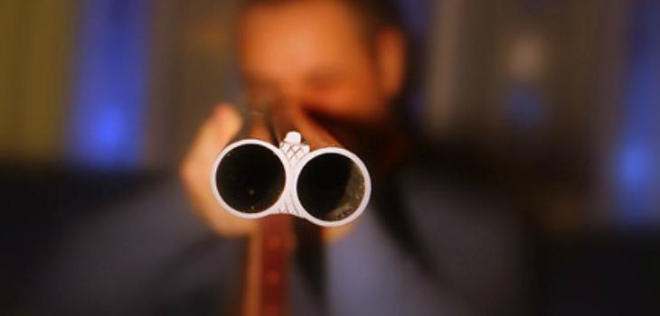 Con una escopeta: hombres asaltan a chofer y pasajeros a bordo de microbús en Hualpén