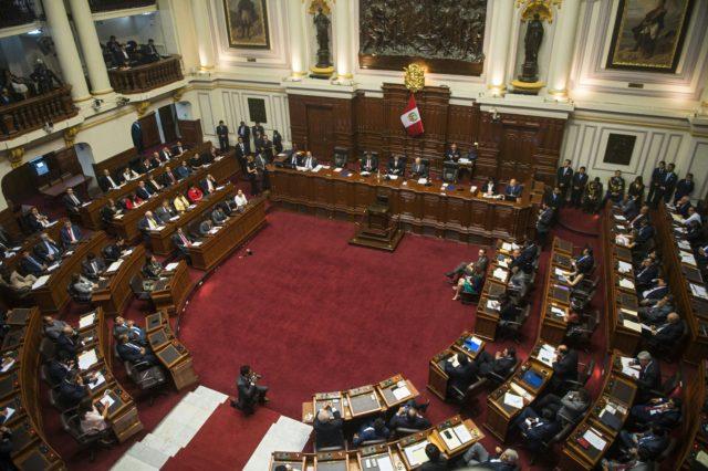 Kuczynski habla ante el Congreso a fines de diciembre, previo a que los legisladores discutieran su primera destitución. Ernesto Benavides | Agence France-Presse