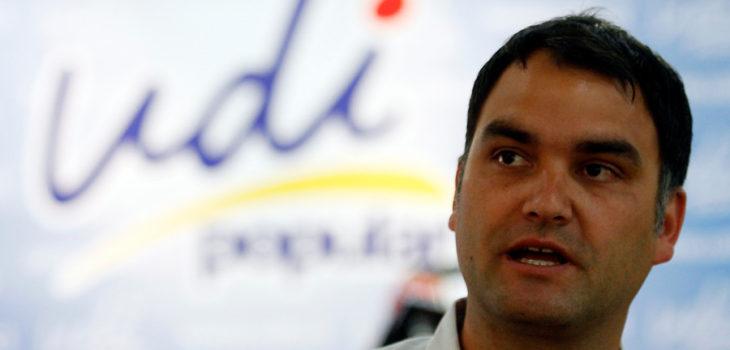 Macaya y eventual acusación constitucional a Campos: No descartamos esa fiscalización