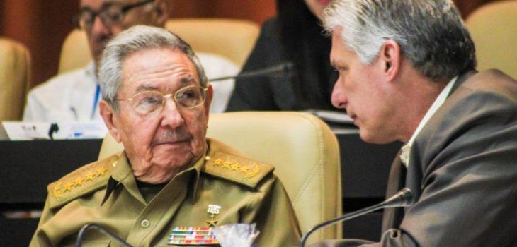 Raúl Castro y Miguel Díaz-Canel | ARCHIVO | Agence France-Presse