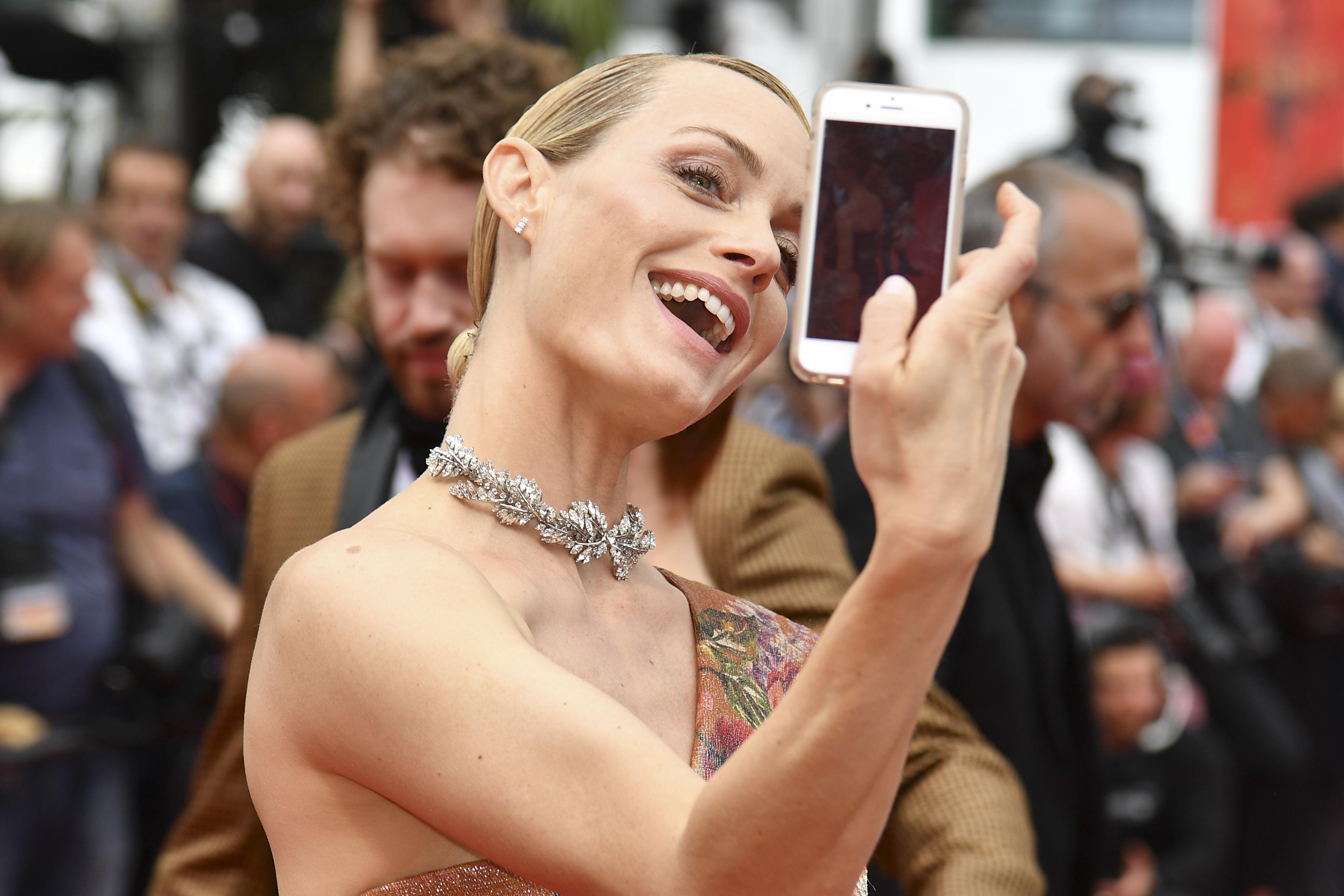 Modelo Amber Valletta en el Festival de Cannes de 2017 | Alberto Pizzoli | Agence France-Presse