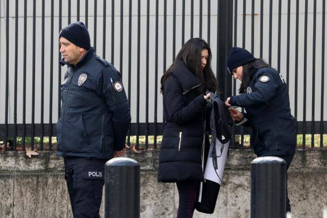 Las medidas de seguridad se incrementaron en las cercanías de la embajada estadounidense. Adem Altan | Agence France-Presse