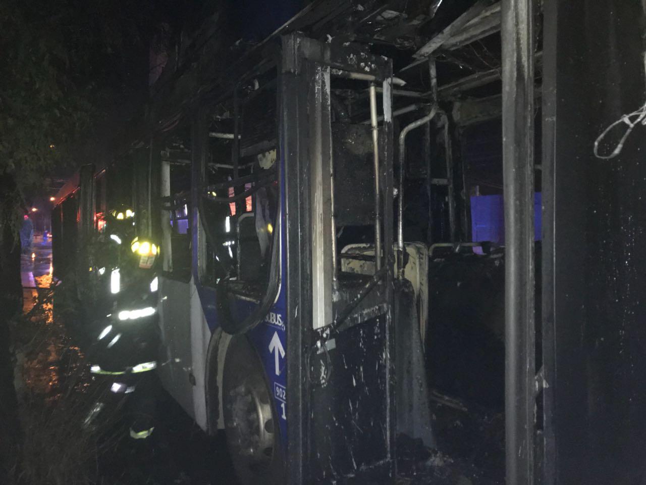 bus del transantiago se quema