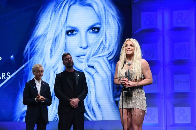 Ricky Martin, J.J. Totah y Britney Spears | Agencia AFP | Vivien Killilea [/caption]          <div class=