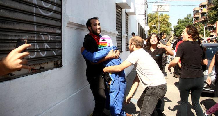 atropello-de-manifestante-tras-marcha-en-santiago-1