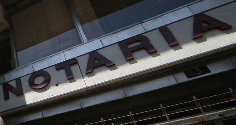 Detienen a notario de Lebu: está acusado de no pagar $130 millones en cotizaciones