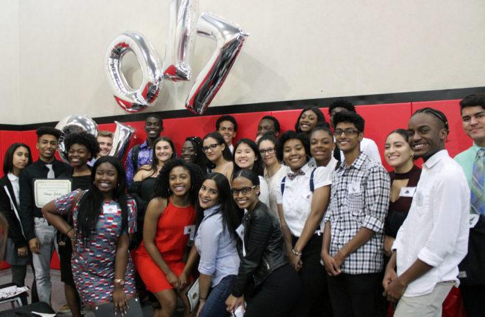 Estudiantes del Programa Expanded Horizons College Success de Henry Street