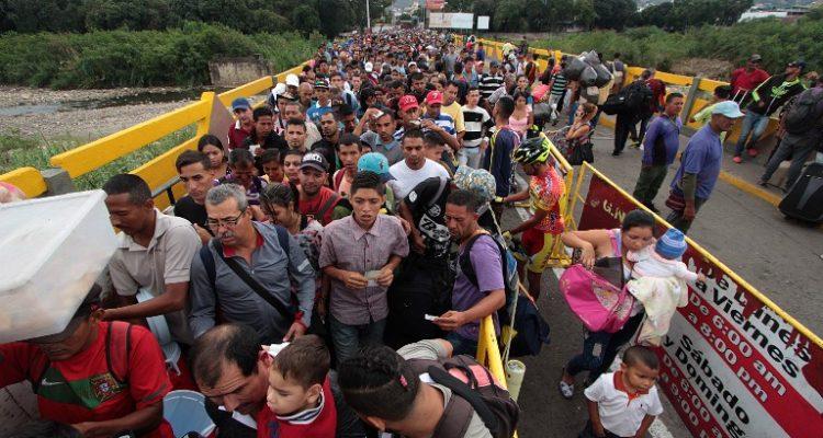 Vaticano lanza plan para ayudar a las personas que emigran de Venezuela