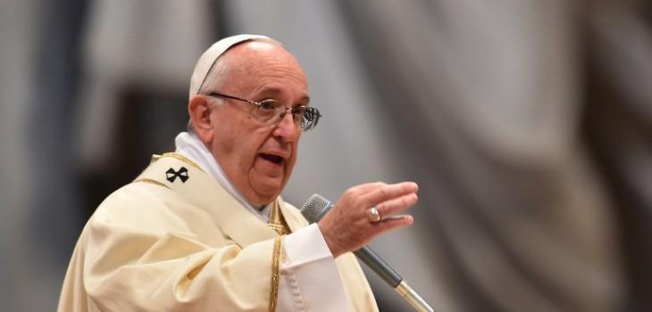 Image result for Papa francisco expulsa a dos exobispos chilenos