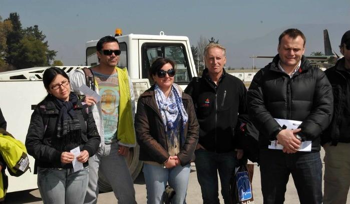 Equipo de Buenos Días a Todos junto a Felipe Cubillos  antes de viajar a Juan Fernández
