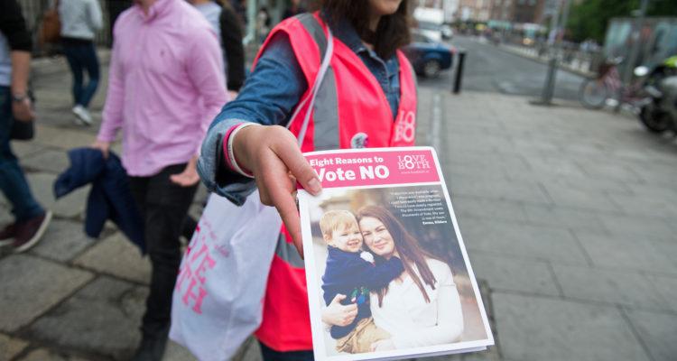 Campaña pro vida en las calles de Dublín. Barry Cronin | Agence France-Presse