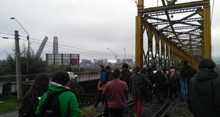 Solicitan a EFE detener desarme del puente ferroviario que une Temuco con Padre Las Casas