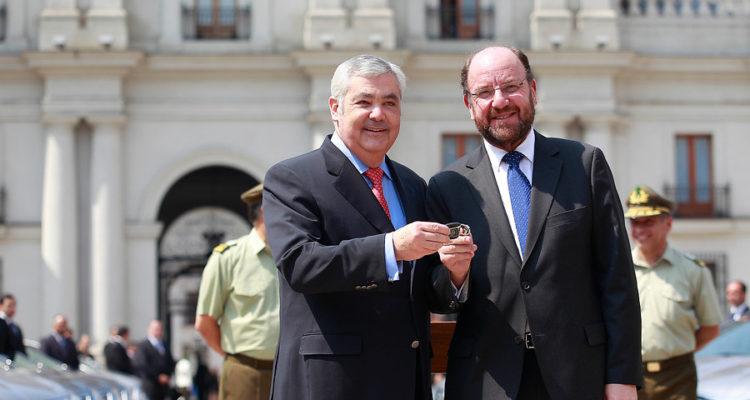 El representante de Hyundai, Ricardo Lessmann (I) y el excanciller, Alfredo Moreno | Pedro Cerda | Agencia UNO