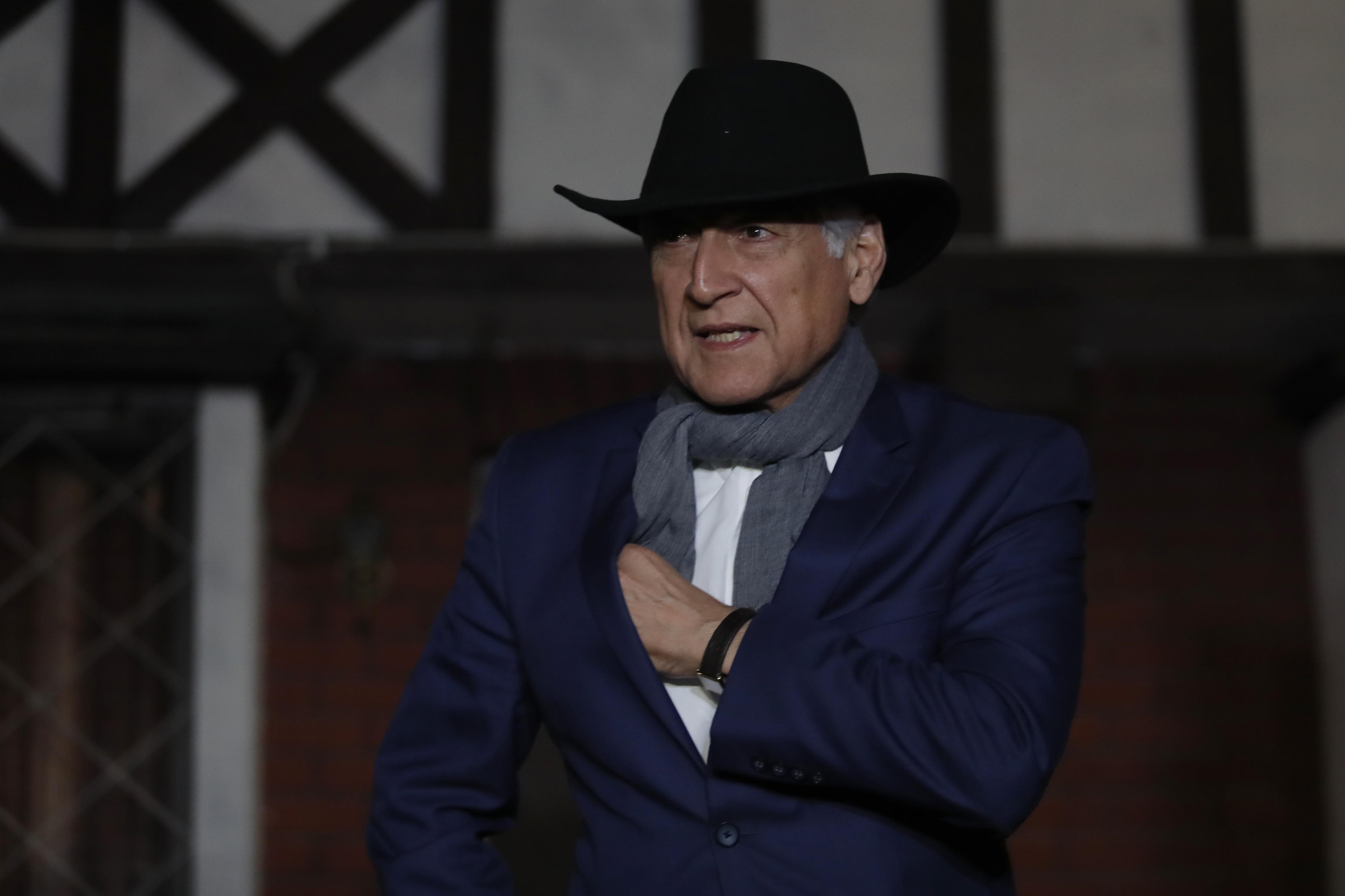 Excanciller deja el encuentro. Francisco Flores Seguel   Agencia UNO