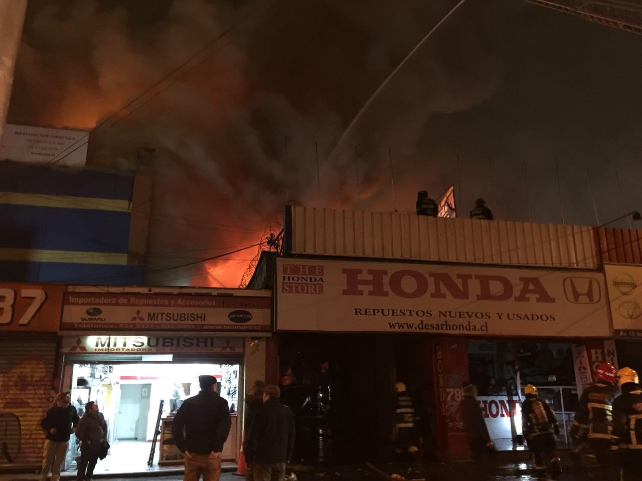 incendio-en-santiago-centro-en-talleres-2