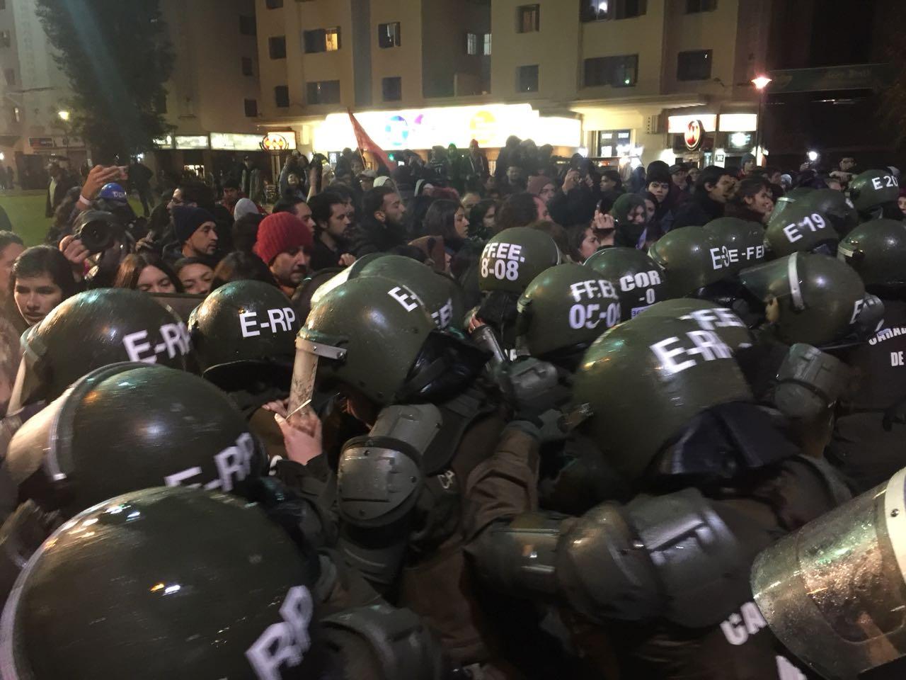 manifestacion-en-plaza-baquedano-5