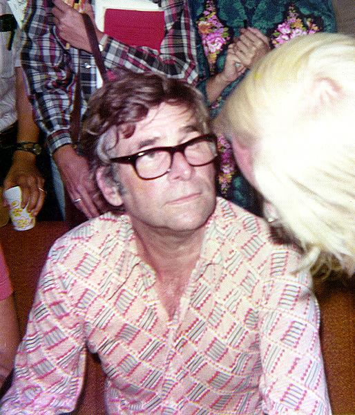 Gene Roddenberry en un evento con fans en 1976 (CC) Wikimedia Commons