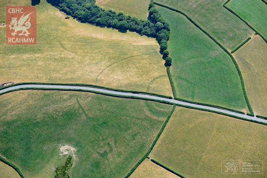 Una granja de la Edad de Hierro cerca de Whitland en Carmarthenshire | RCAHMW