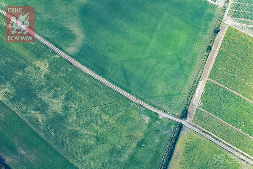 Una granja descubierta de la Edad del Hierro en la costa de Ceredigion | RCAHMW