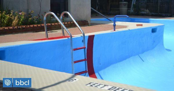 Investigan muerte de hombre tras caer en la piscina vac a for Empresas de piscinas