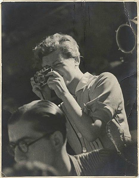 Gerda Taro en España, en julio de 1937 (CC) Wikimedia Commons