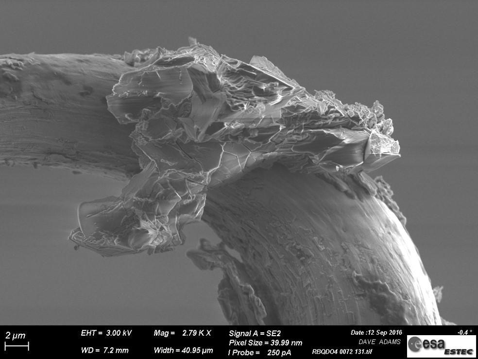 Fragmento del asteroide Itokawa tomada con un microscopio   ESO