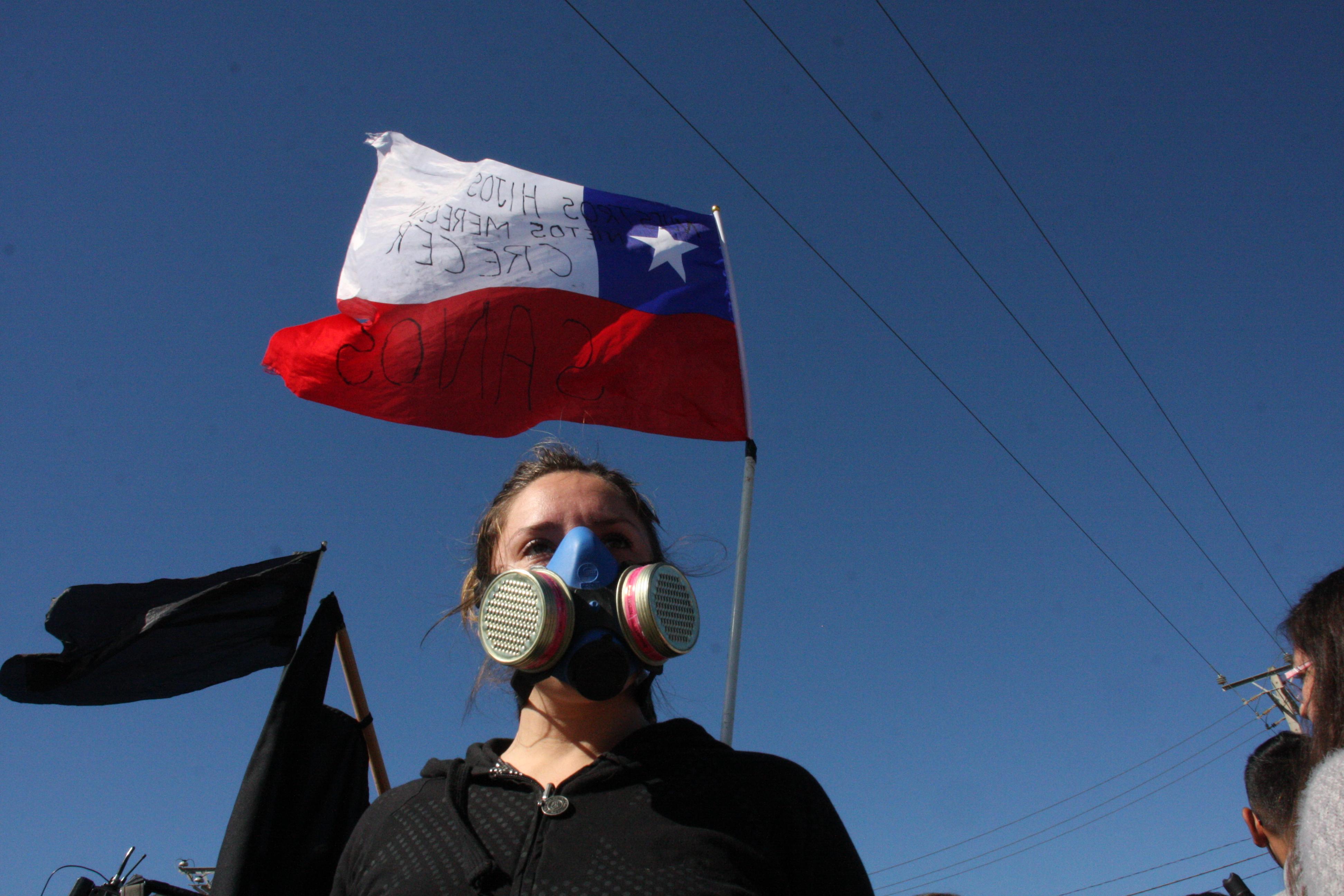 Vecinos protestan contra las plantas contaminantes en Quintero | Santiago Morales | Agencia UNO