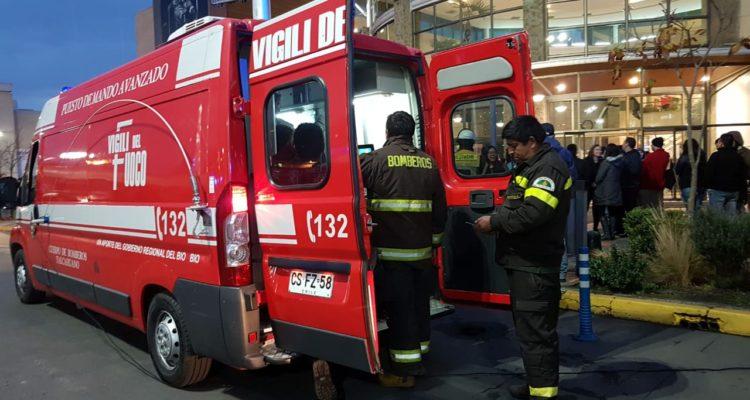 Evacuación en mall de Talcahuano | Archivo | Sergio Osses (RBB)
