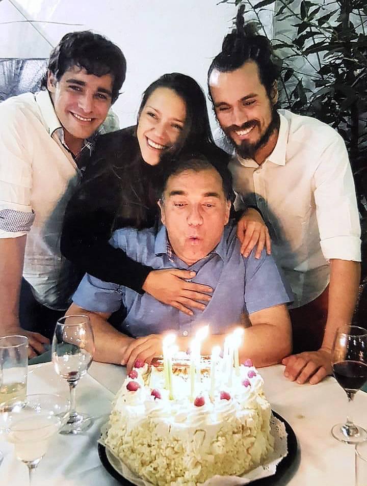 De izquierda a derecha, Sergio Jaksic Jr, Yadranka Yaksic, Slavko Yaksic y su padre, Sergio Yaksic | IOL