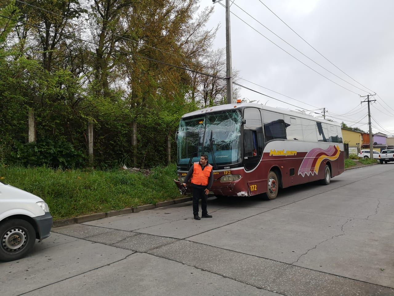 Bus terminó con parabrisas destruidos | Pedro Cid (RBB)