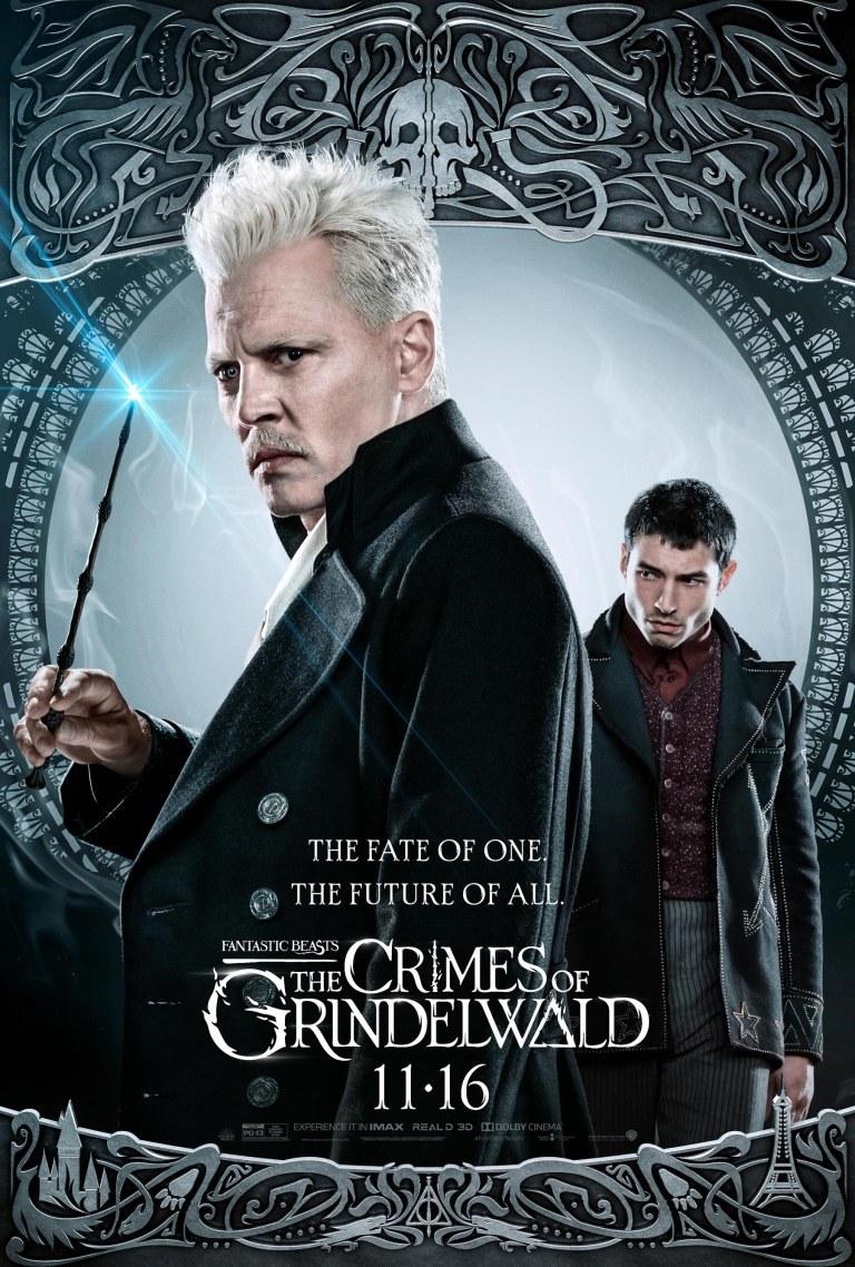 """Johnny Depp y Ezra Miller en """"Los crímenes de Grindelwald"""" (2018)"""
