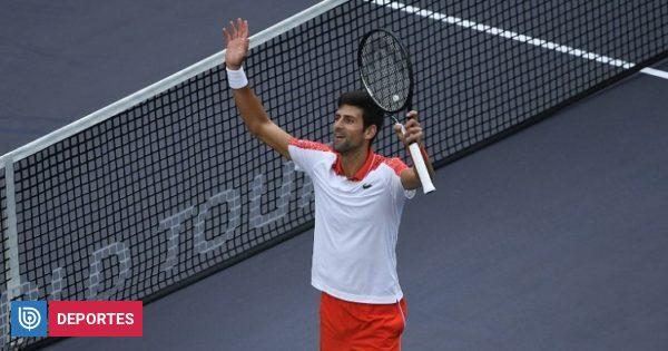 Novak Djokovic superó sin problemas a Marco Cecchinato y avanzó a cuartos en Shanghai